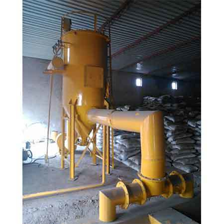 Dust extracting system with vibrating screen