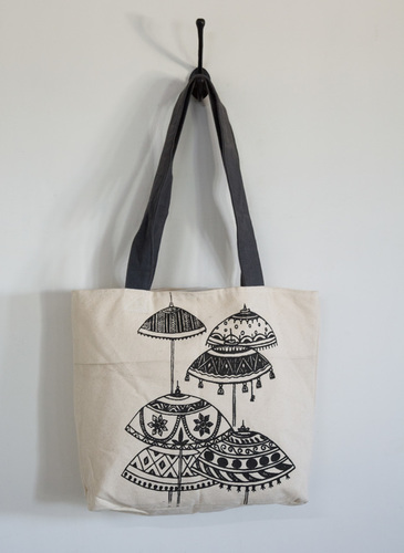 umbrella print black & white tote bag