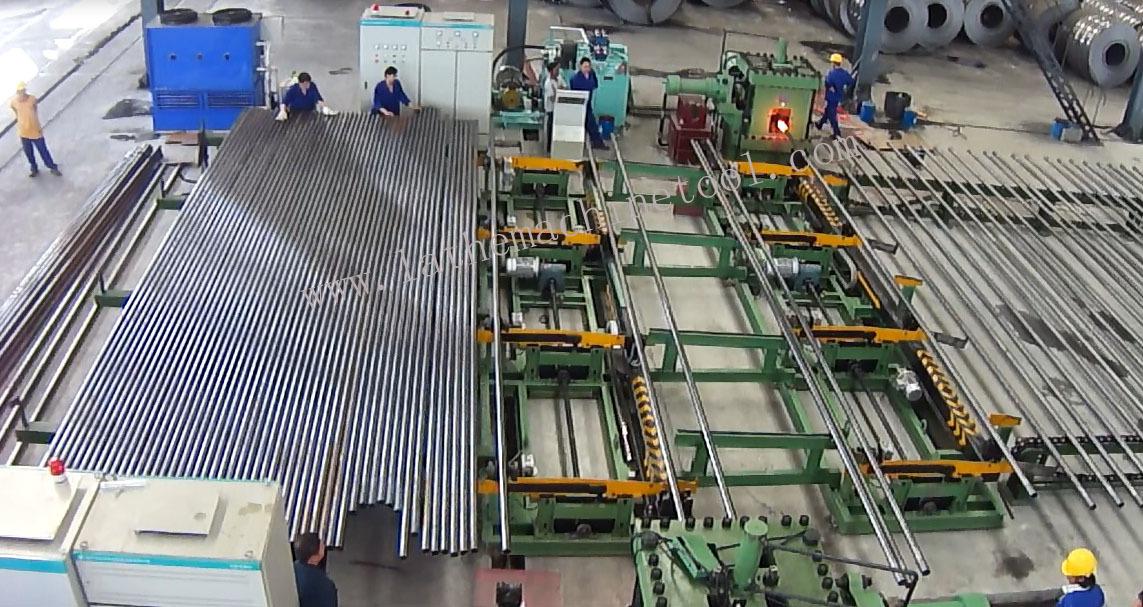 Pipe End Upsetting Equipment For Upset Forging Of Oil-pipes