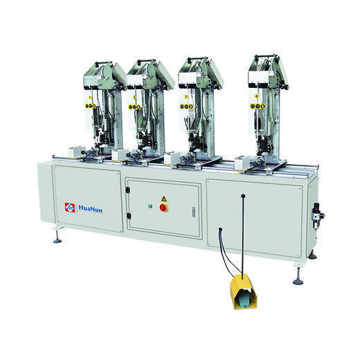Four head screw fastening machine