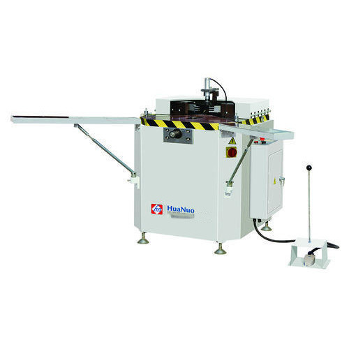 Heavy duty corner crimping machine