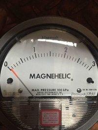 Dwyer Magnehelic Differential Pressure Gauge Model 2000-3KPA