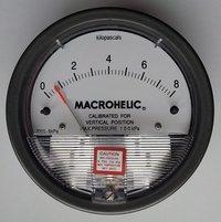 Dwyer Magnehelic Differential Pressure Gauge Model 2000-8KPA