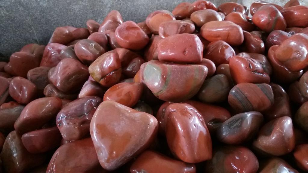 Natural Red Jasper Rock Pebble Stone for Garden Decor