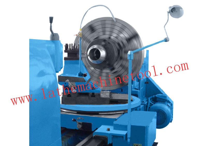 Spherical turning machine for machining ball