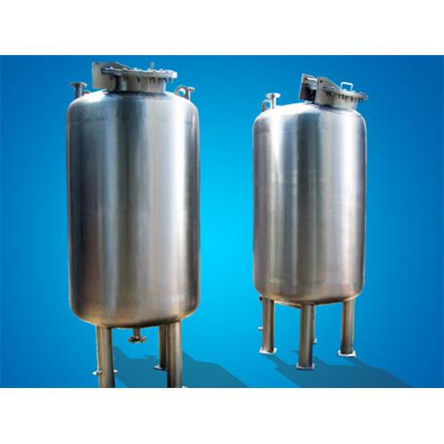 Vertical Solvent Storage Tank