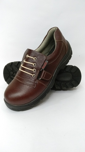 WATER resistance safety shoes