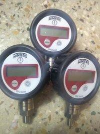 Winters Digital Pressure Gauge  0 To 700 bar