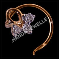 Goud Diamond Studded Nose Pin