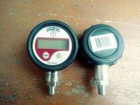 Winters Digital pressure gauges 1000 to 3000 bar
