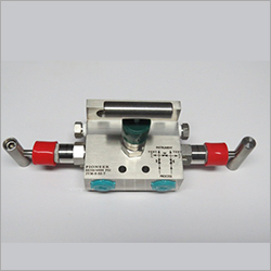 H Type Pipe To Flange 3 Way Manifolds Valves