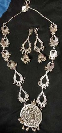 Silver Rukmini Necklace Set