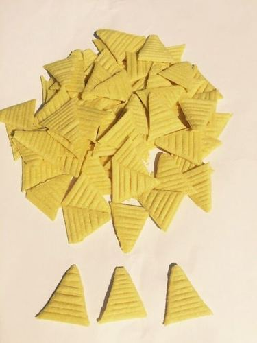 Corn Puffed Triangle Shape Fryums