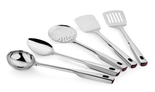 Queen kitchen tool