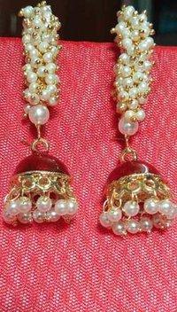 Pearls Standing Jhumki