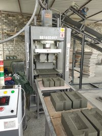 BEW - Vibro - 106422 Automatic Vibro Press Bricks, Block and Hollow Block Making Machine