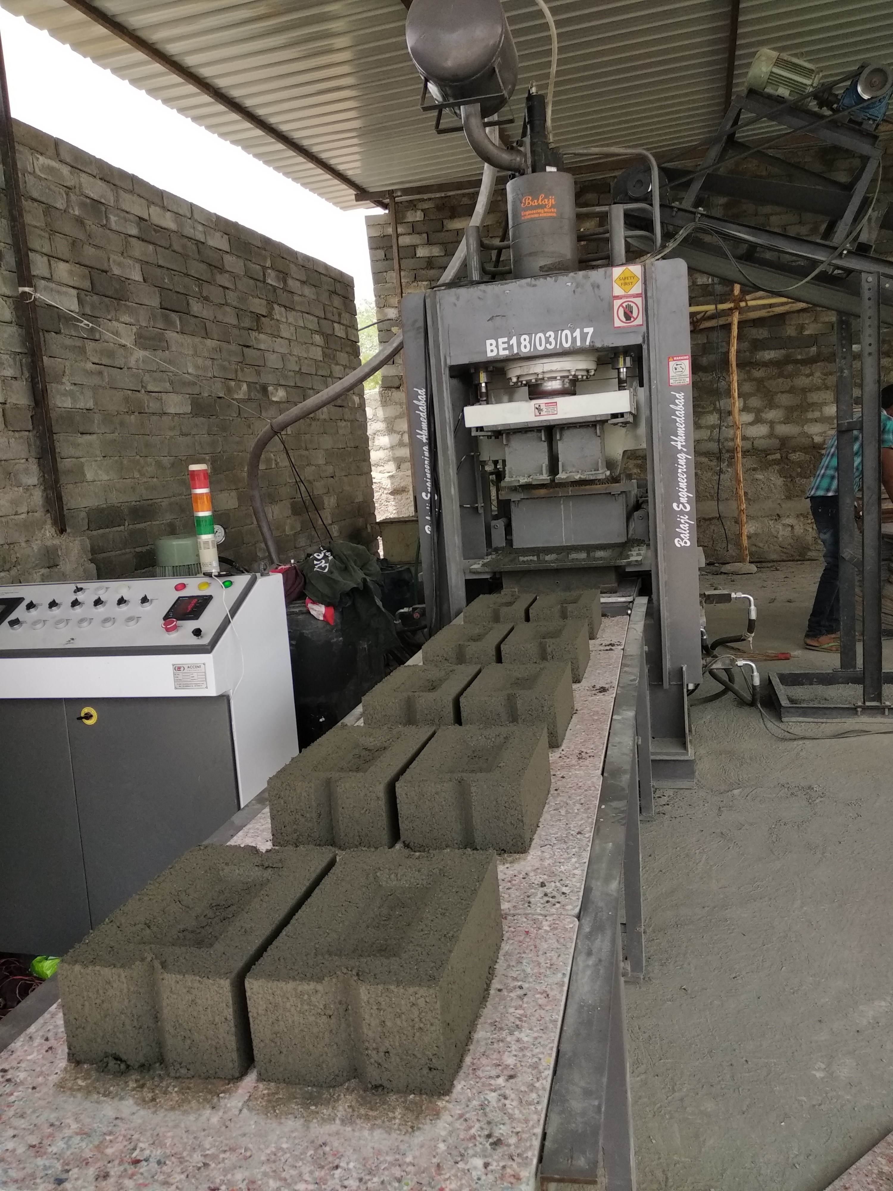 BEW - FA200 Automatic Fly Ash Bricks Making Machine