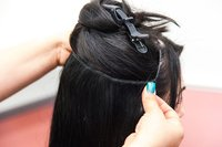 CLIP IN HAIR (NON REMY HAIR )