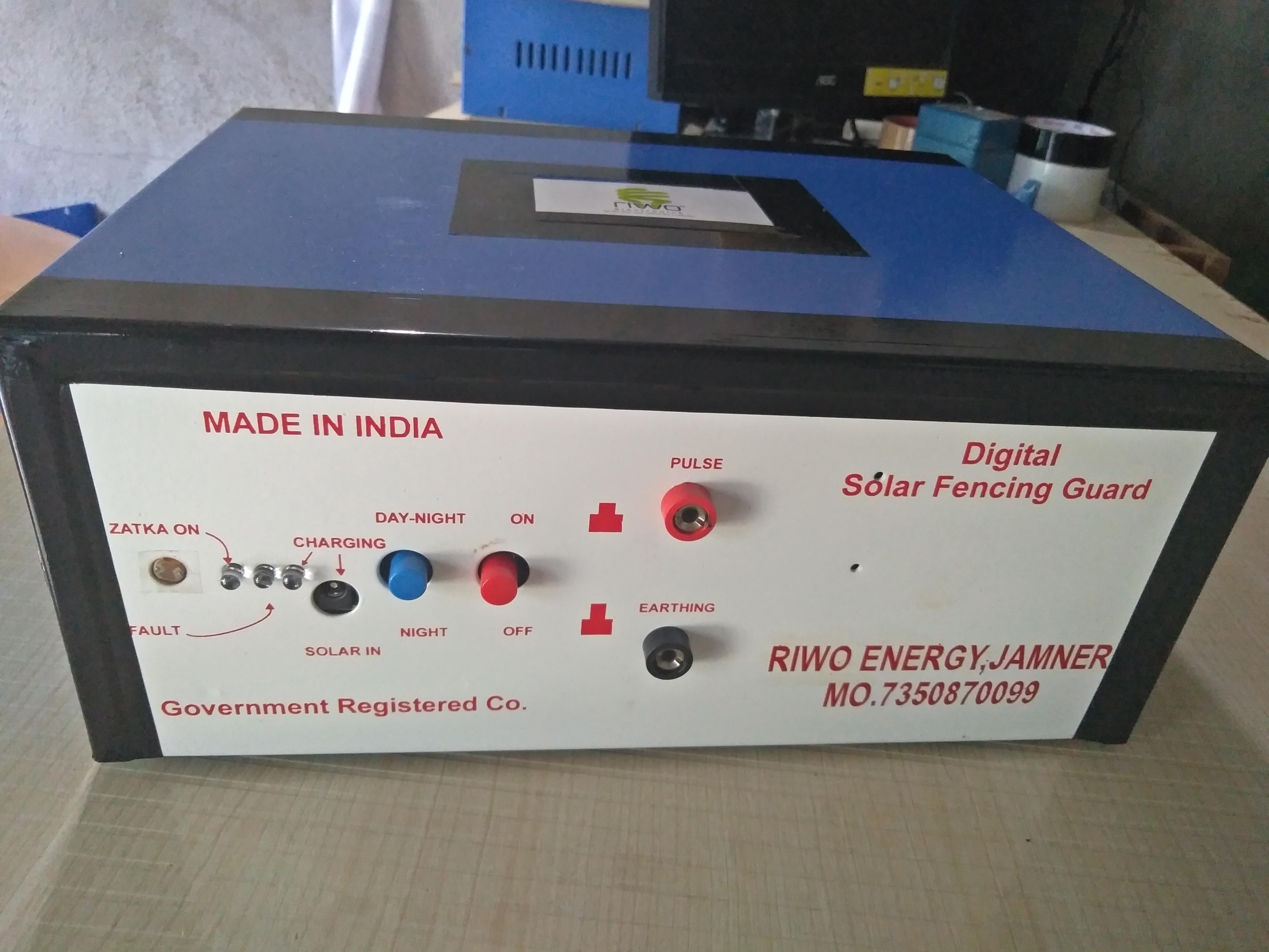 Digital Solar Fencing Guard