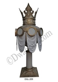 Indian Design Cast Iron Gate Light