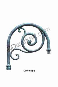 Nova Cast Iron Pole Bracket