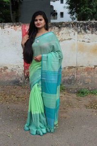 Handwoven Pure Linen Saree