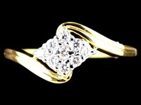 DIAMOND RING SQUARE