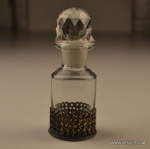 PERFUME BOTTLE AND DECANTER WITH METAL