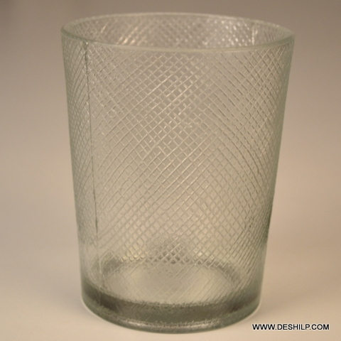 SMALL CLEAR ANTIQUE CUTTING WATER GLASS