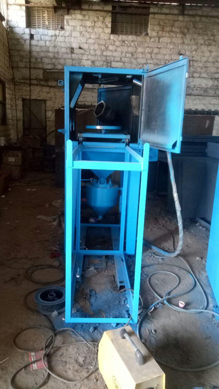 Cabinet Type Sand Blasting Machine