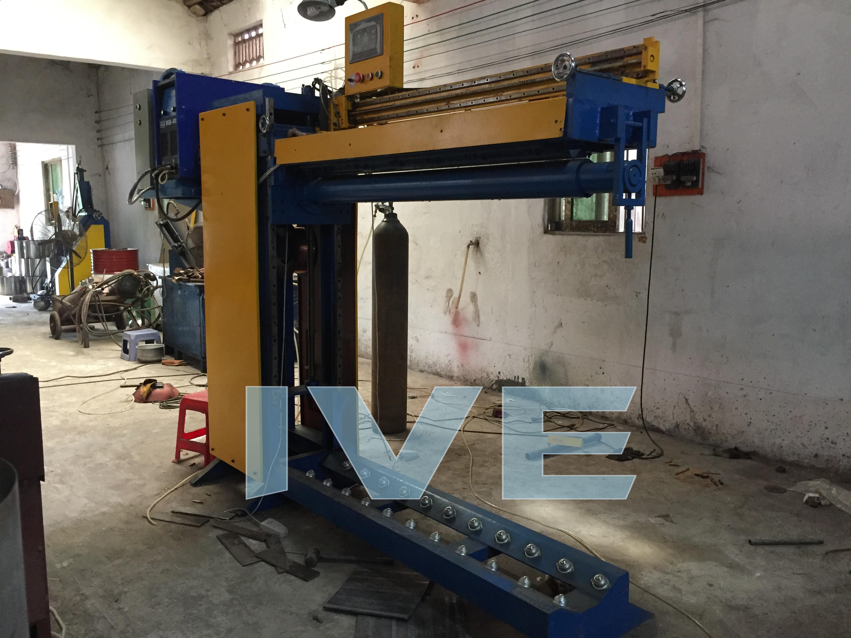 Lifting CNC Automatic Straight Seam Welder
