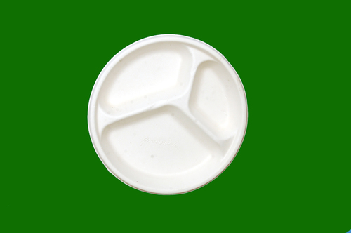 Sugarcane Bagasse Round 3 Compartment Plate 9inch