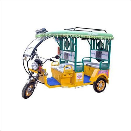 Super Deluxe Battery Rickshaw