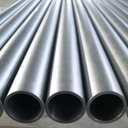 Stainless Steel Seamless Pipes Section Shape: Round