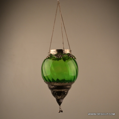 GREEN COLOR WITH METAL FITTINGS T LIGHT HOLDER
