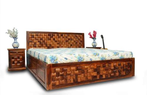 block design wooden bed
