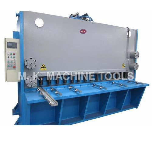 Heavy Duty Hydraulic Shearing Machine