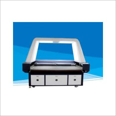 Large scale visual cutting machine