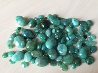 EMERALD BEADDS POLISHED STONE