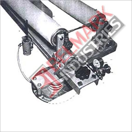 Tyre cord centraliser cord aligner Assembly
