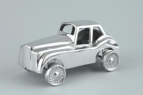 ANTIQUE VINTAGE CAR