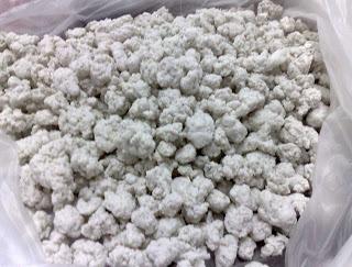 White Polyester Popcorn