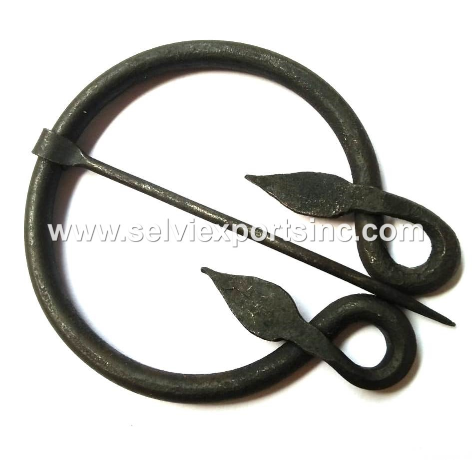 Hand forged Ring shape Leaf brooch