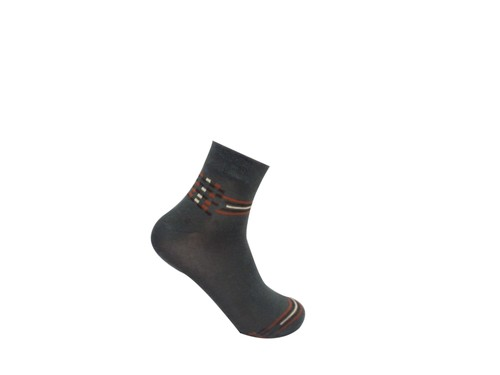 ANKLE LENGTH SEAMLESS DESIGNER SOCKS