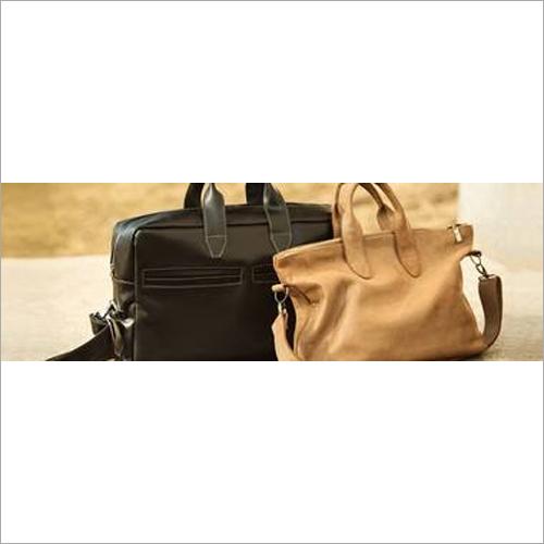 A bagagem Bags o couro sintético