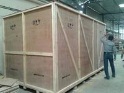 Heavy machinery packing wooden box