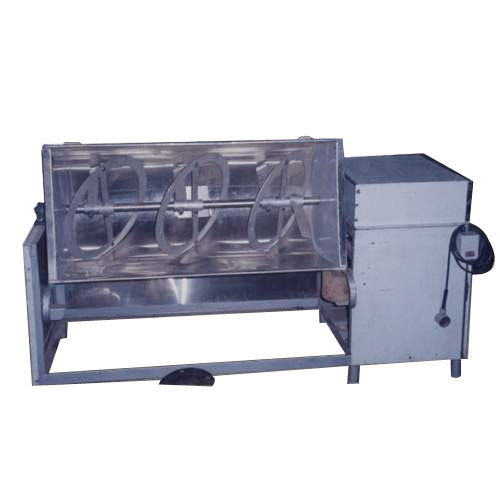Ribbon type Blender