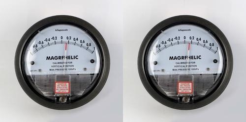 Dwyer Capsuhelic Series 4000 Differential Pressure Gauge Range 0-15 kPa Dwyer Instruments 4000-15KPA