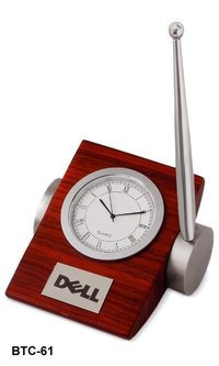 Table clock with Pen
