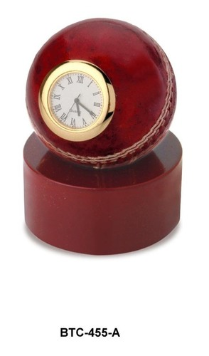 Cricket Ball Desktop Clock